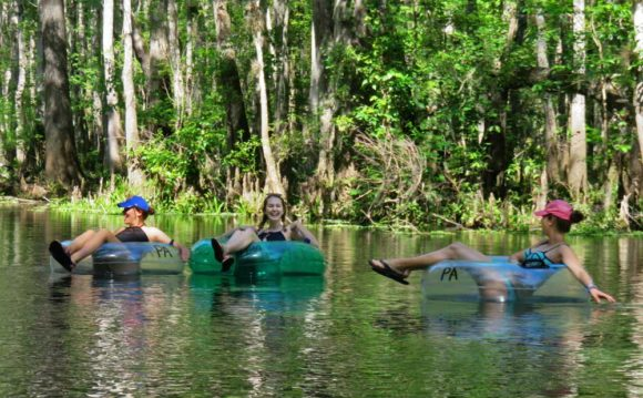 SOne of the best hot-weather eekend getaways in Florida: Tubing Ichetucknee Springs State Park. (Photo: Bonnie Gross)