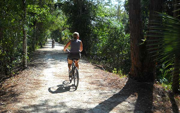 Florida parks: Riverbend Park is popular with families. (Photo by Bonnie Gross, FloridaRambler.com)