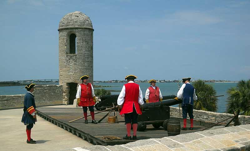 Castillo de San Marcos cannon demonstration