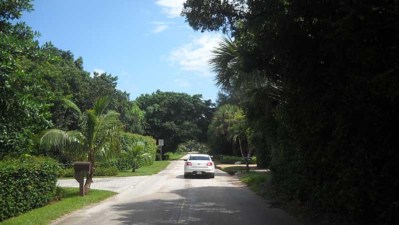Jupiter Island Beach Road makes a good bike route.