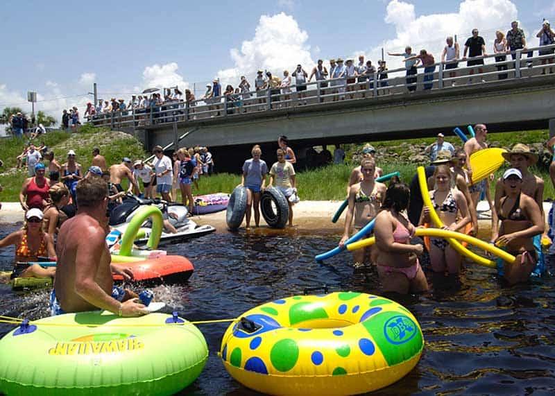 2009 Freedom Swim. Photo courtesy the Sun Herald.