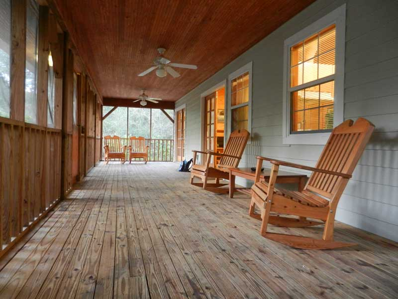 The screen porch on the cabins at Silver Springs State Park is huge. (Photo: Bonnie Gross)