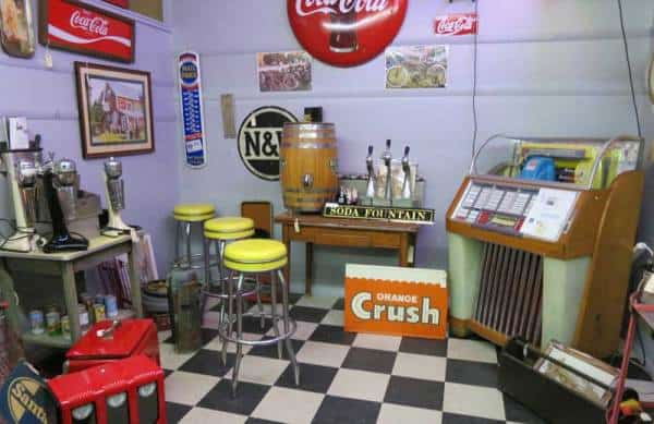 One of the booths at Renninger's Antique Center, in Mount Dora near Orlando. The antique center stages several festivals in Mount Dora that are big draws. (Photo: Bonnie Gross)