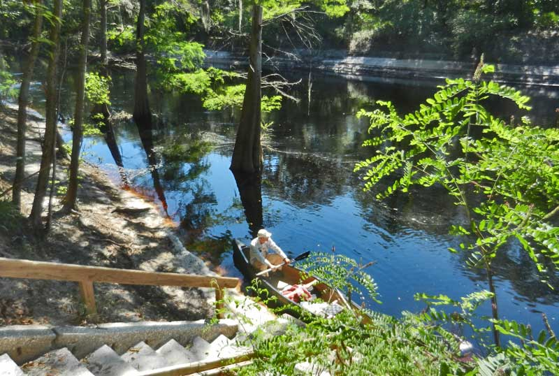 Steep banks at Stephen Foster Folk Culture Center State Park are part of Suwannee River kayaking and canoeing. (Photo: Bonnie Gross)