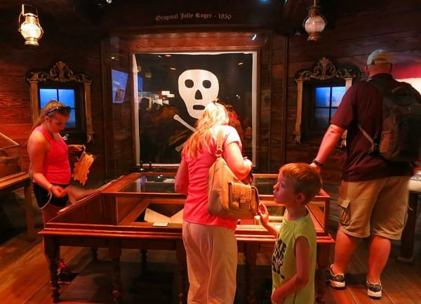 St. Augustine Pirate Museum: One of two known skull and crossbone flags is on display.