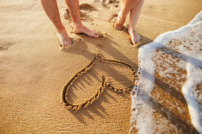 heart on beach Five romantic things to do in Florida while sharing your love of nature