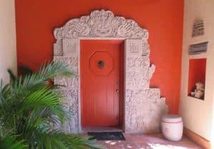 Entry door at the Kampong in Coconut Grove. (Photo: David Blasco)