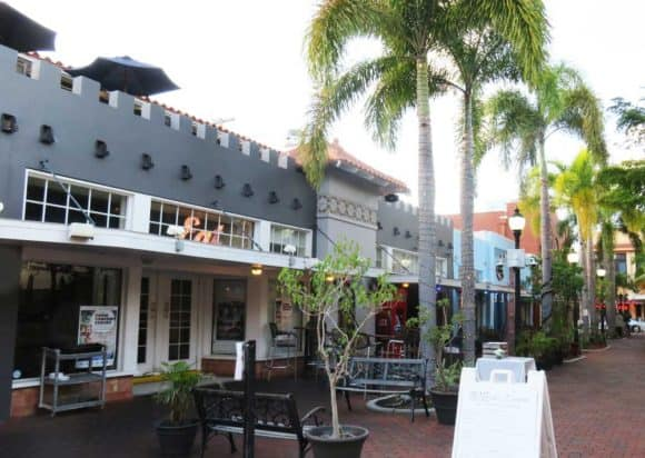 Street in historic downtown Fort Myers along the Caloosahatchee River.