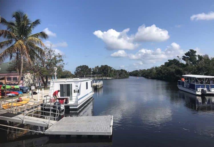 Houseboat rentals: Florida Everglades National Park at Flamingo.