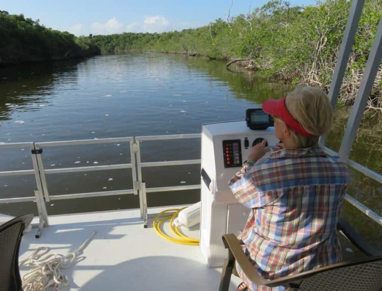 We chose the narrower waterways of the Joe River for our houseboat outing in Everglades National Park (Photo: David Blasco)