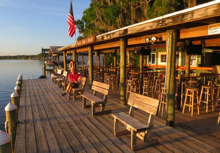 Welaka Lodge and Cabins waterfront dock and deck on the St. Johns River.