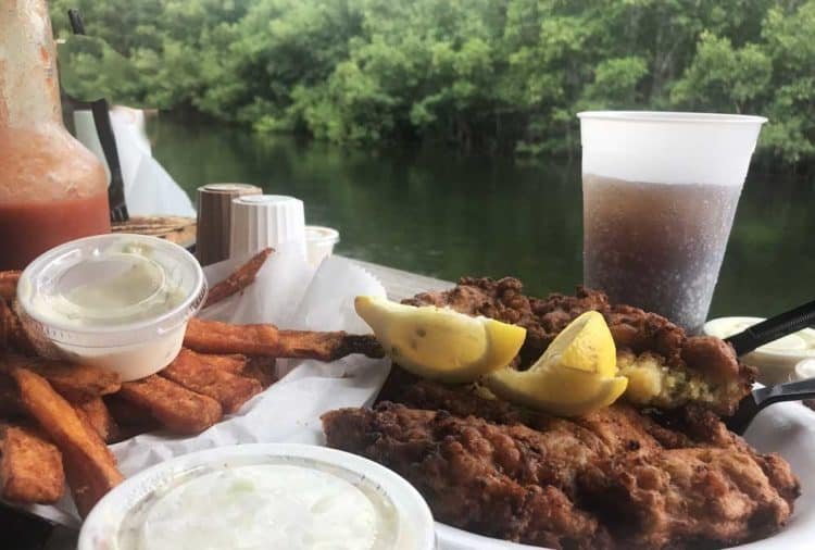Conch fritters and all things fried on the menu at Alabama Jacks near Key Largo. (Photo: Bonnie Gross)