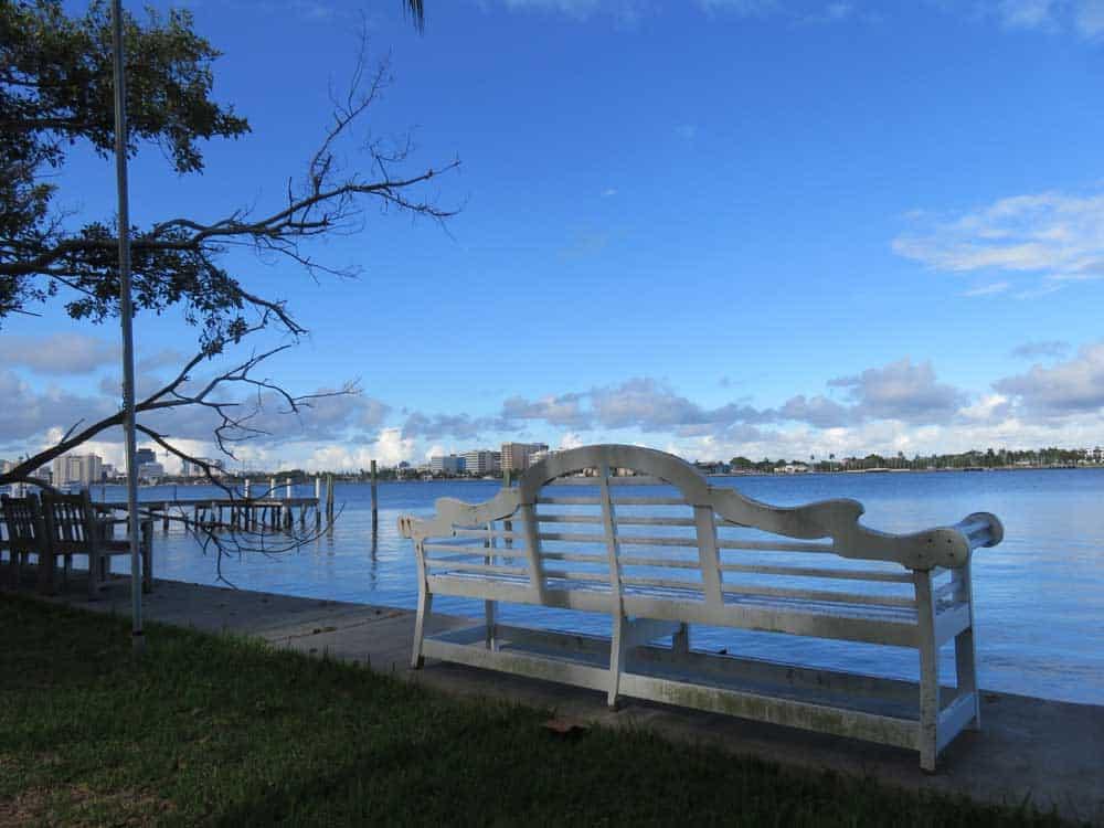 Pretty views are everywhere along the Lake Trail in Palm Beach. (Photo: David Blasco)