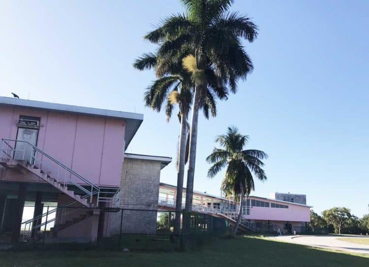 The pink visitor center at Flamingo, wrecked by hurricanes decades ago, will rise again. The mid-century-modern building is being refurbished this year. (Photo: Bonnie Gross.)