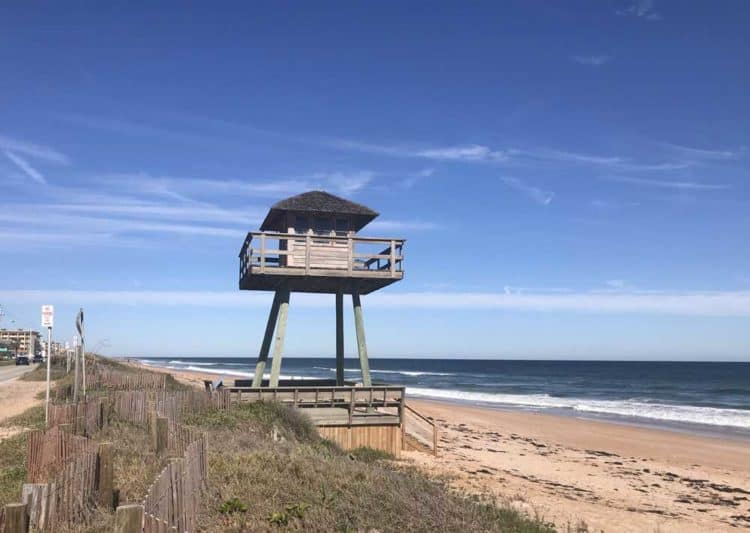 Along Florida A1A, you pass this a historic World War II submarine watchtower built in 1942., one of the last of its kind. (Photo: Bonnie Gross)