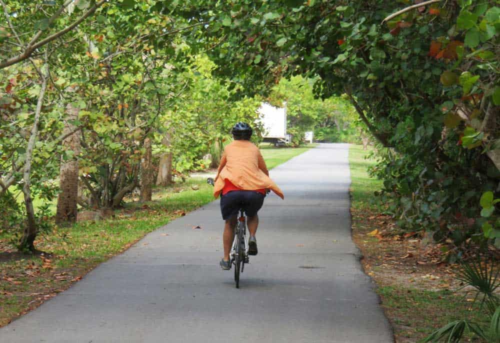 The bike trail on Boca Grande, a Gulf Coast Florida island, is the best way to tour the picturesque island. (Photo: David Blasco.)