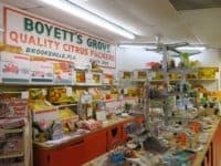 Florida roadside attractions: The gift shop at Boyett's Citrus in Brooksville. (Photo: Doug Alderson.)