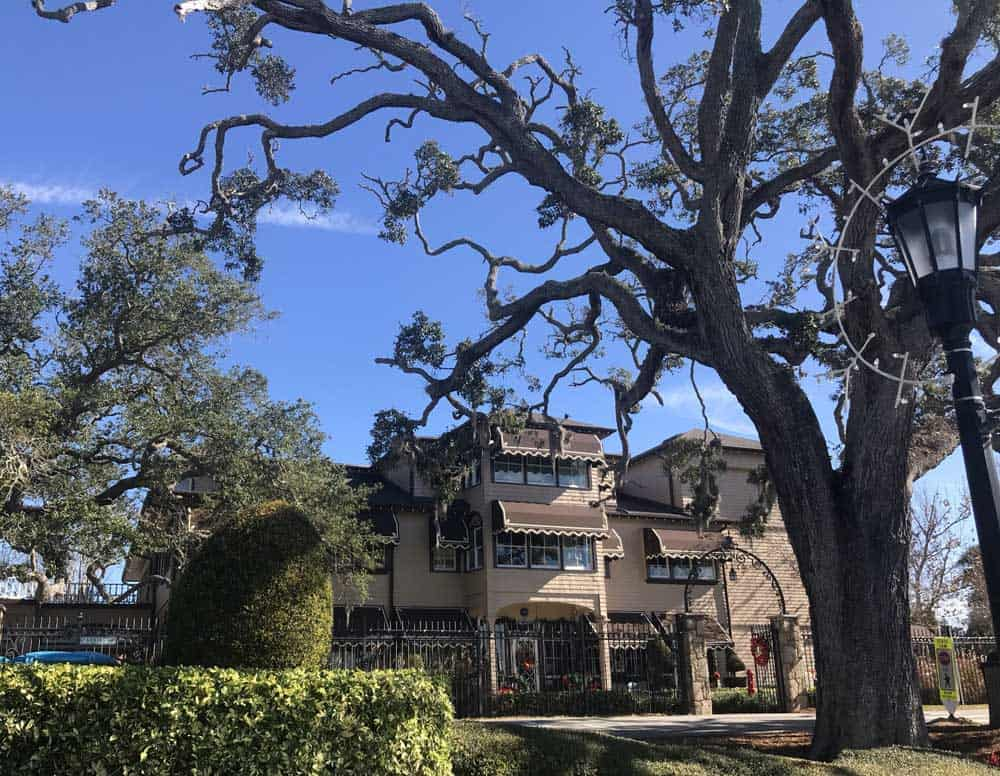 Along the Ormond Scenic Loop and Trail, the Casements, home to John D. Rockefeller, is a lovely stop. (Photo: Bonnie Gross)