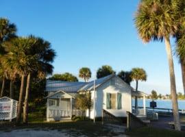Old Florida scene along Indian River Lagoon (Photo: Bonnie Gross)