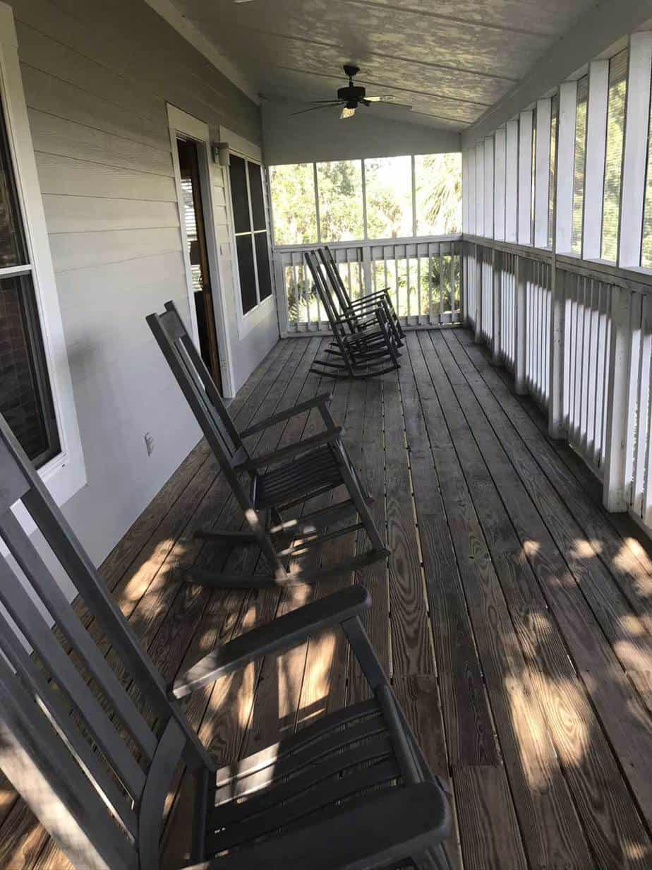 Georgia State Park cabins: The screen porch at Fort McAllister, about 90 minutes north of the Florida state line. (Photo: Bonnie Gross)