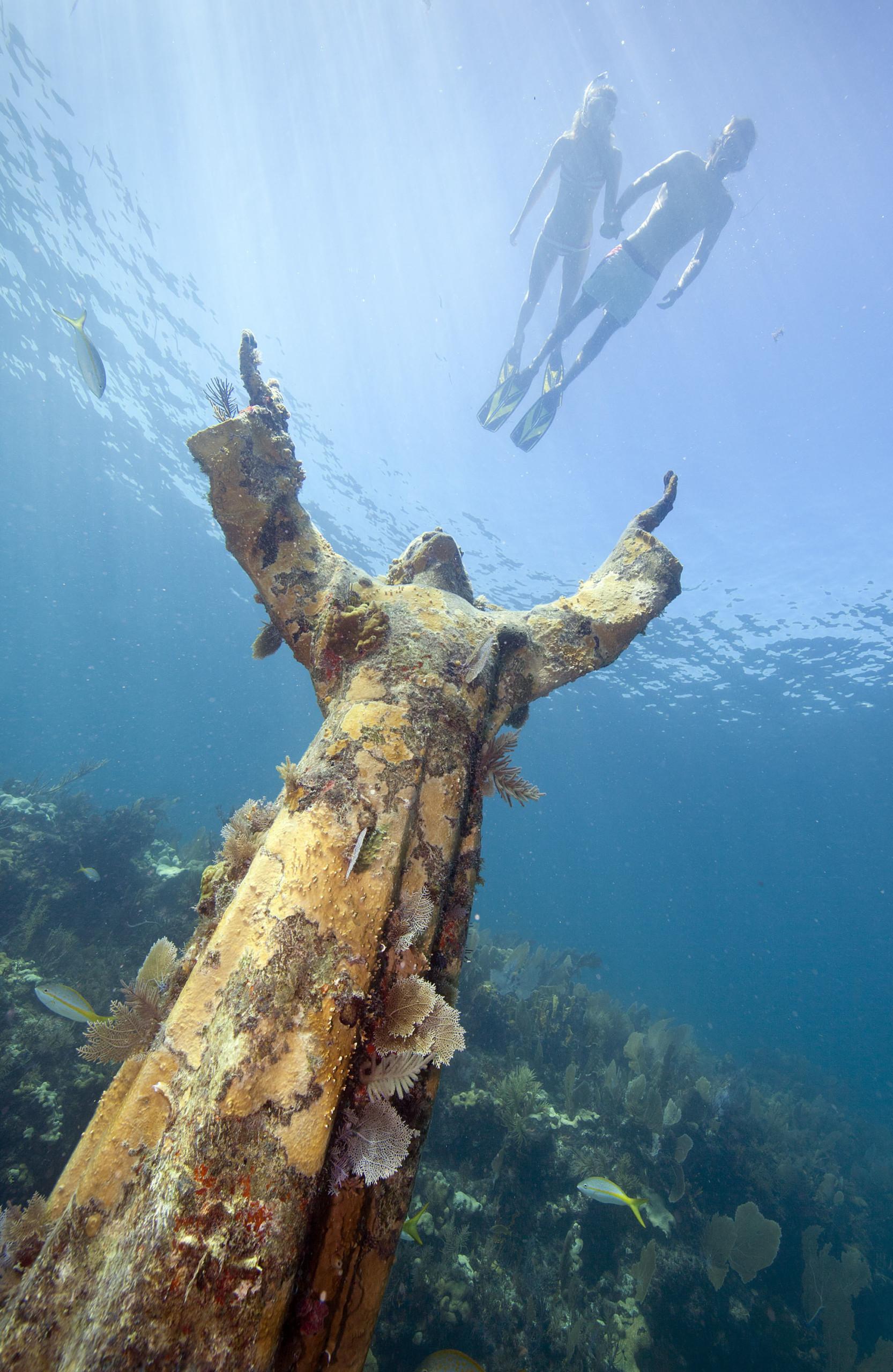 florida keys key largo snorkel statue
