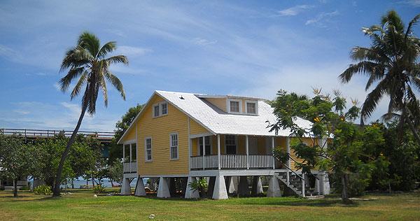 Pigeon-Key-yellow-house.jpg