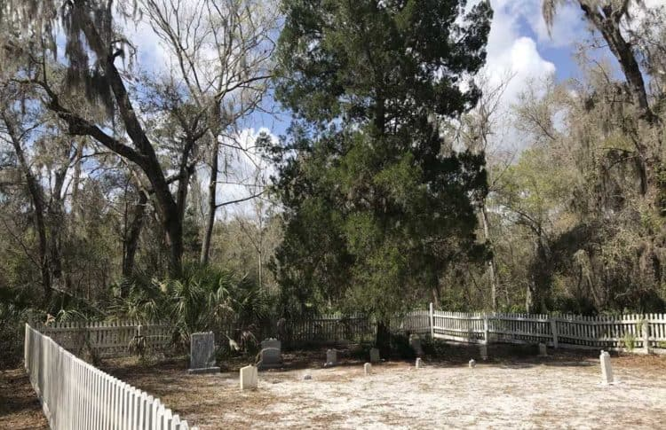 The cemetery at Rye Preserve along the Manatee River. Rye's founder Erasmus Rye is buried here. He and his wife Mary Lucebia Williams raised 10 children In Rye. (Photo: Bonnie Gross)