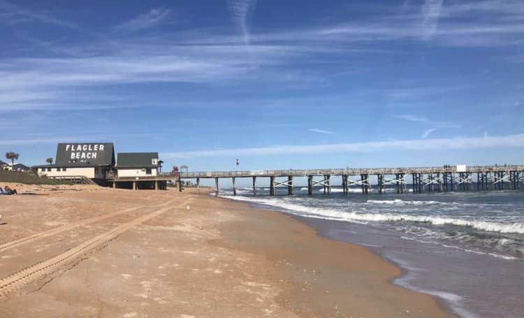 Florida A1A: Flagler Beach is anchored by the fishing pier, built 80 years ago and rebuilt after several hurricanes.  (Photo: Bonnie Gross)
