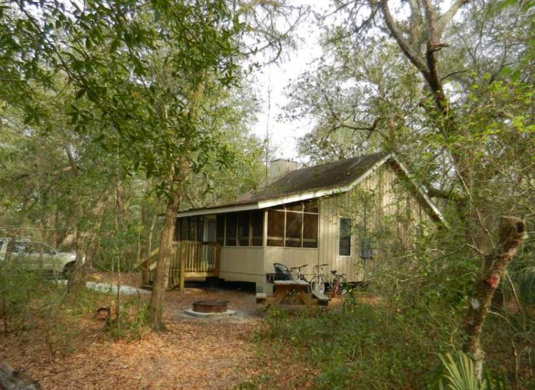 Florida cabins:  Staying at Blue Spring State Park