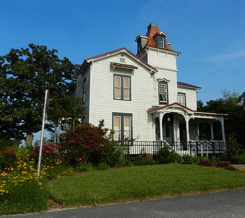 Things to do in Amelia Island: Find the original Spanish plaza. The original and oldest section of Fernandina Beach is north of downtown and quite hidden away. The area is built around the original Spanish plaza, which this house overlooks.