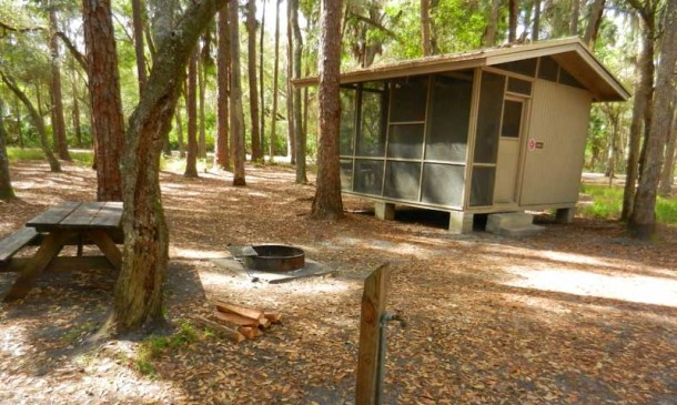 RCentral Florida cabin rents: Rustic cabins at Hontoon State Park provide a more camping-like experience. (Photo: Bonnie Gross)