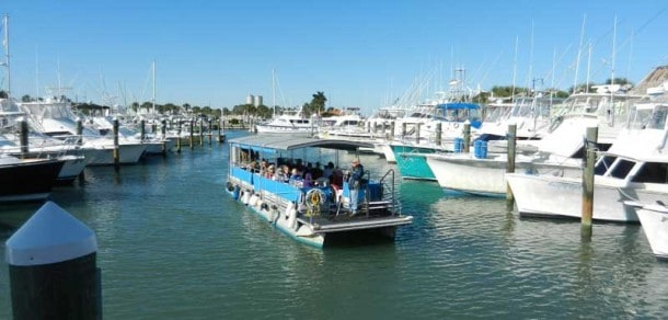 Indian River Lagoon Boat Tour on scenic drivealong the Indian River Lagoon