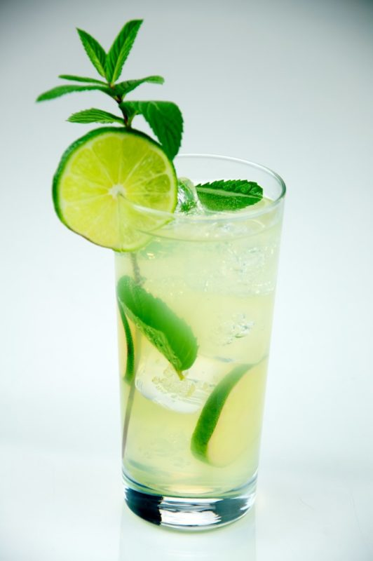 Conch Republic dictionary: A mojito is made with rum, lime, sugar, mint, club soda, served in a tall glass. (Photo courtesy wikimedia/Evan Swigart)