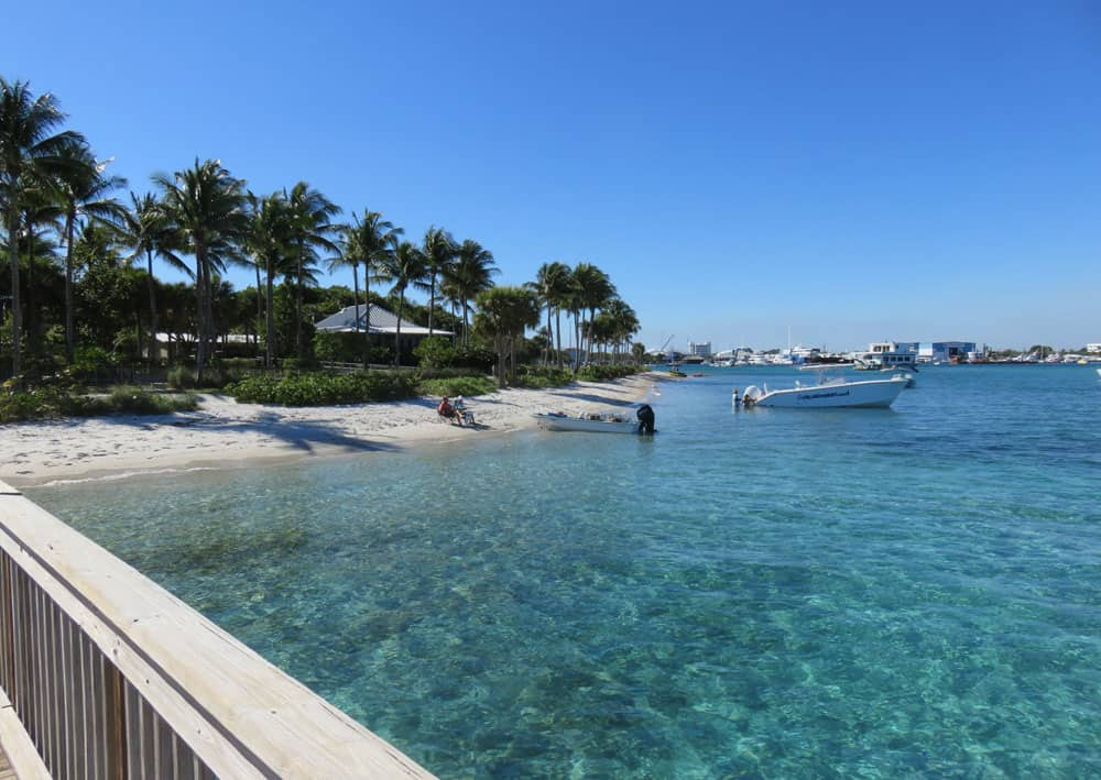 Peanut Island and its gorgeous blue-green clear water. (Photo: David Blasco)