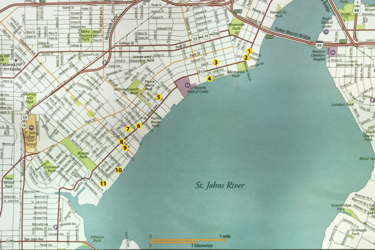 The yellow dots on this map correspond to the houses on this tour. The map is designed to provide a rough guide, which you should augment with navigation from your phone or another map. All photos are by Bonnie Gross