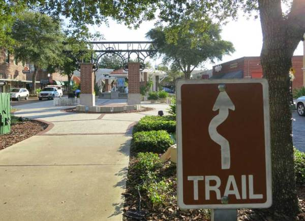 Things to do in Winter Garden: The West Orange Trail goes down the landscaped park-like median in Winter Garden. (Photo: Bonnie Gross)