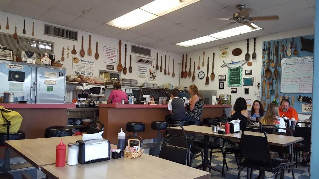 Florida Keys restaurants: wooden spoon marathon for florida keys road food